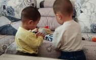 云轩的表弟过生日,小哥俩快乐的一起玩