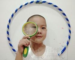 给孩子网购了一个呼啦圈