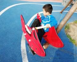 网红公园这个摇摇乐也有点太好玩了吧