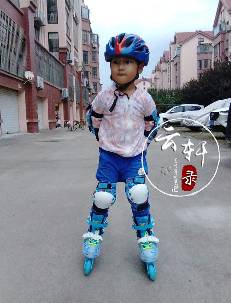 四岁宝宝玩轮滑 (2).jpg